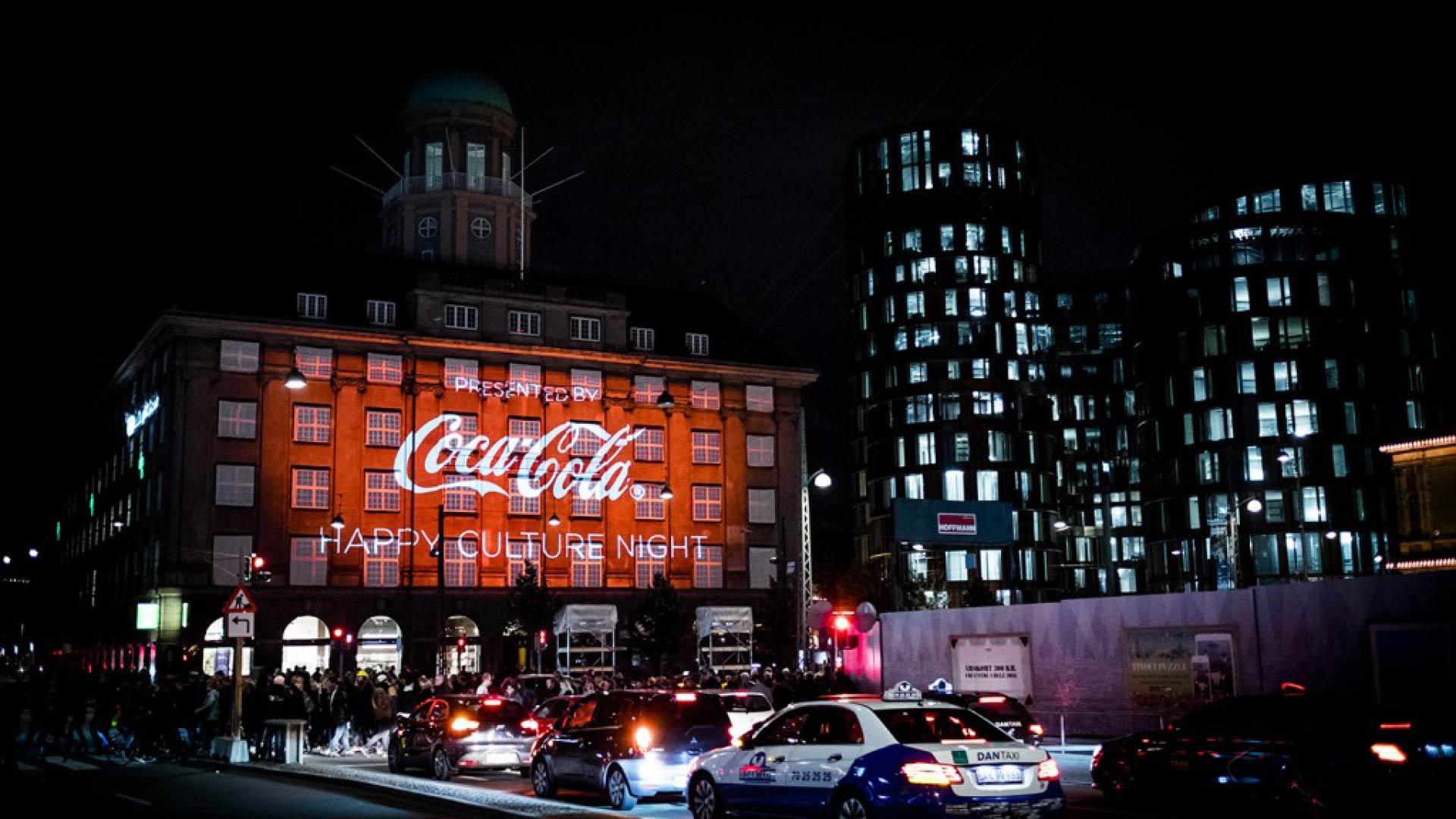 Coca Cola videoinstallation på projiceret op på Axelborg under kulturnatten 2017